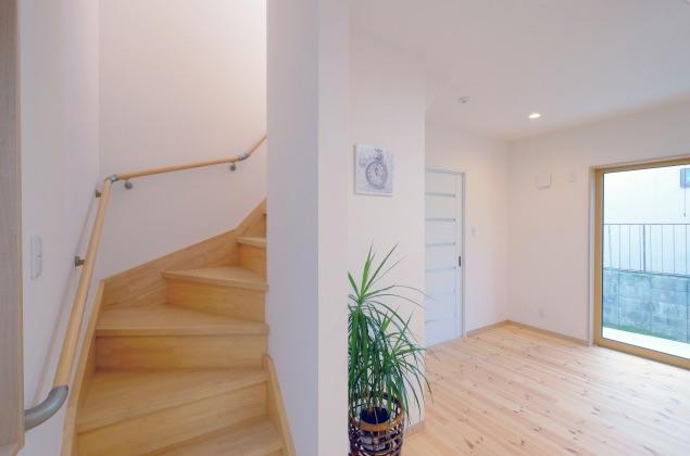 バリアフリーを意識するなら気をつけたい階段リフォーム